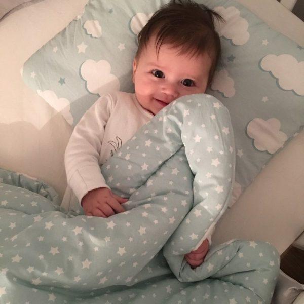 poplun i jastuk za bebe za krevetić