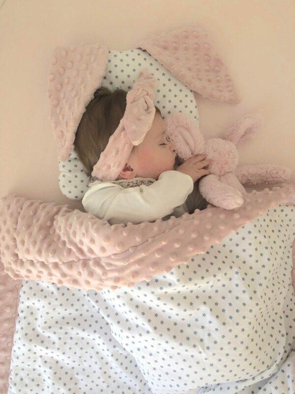 jastuk uško i dekica minky za bebe